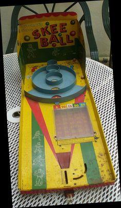 VINTAGE MARX AUTOMATIC SCORE SKEE BALL TIN GAME w/SCORE COLUMNS~ | eBay Antique Toys, Vintage Toys, Vintage Antiques, Games W, Board Games, Game Boards, Skee Ball, Tin Toys, Pinball