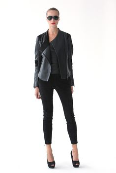 Thomas Steinbruck's debut collection focused on functionality and innovative materials. Cool Outfits, Casual Outfits, Couture Outfits, Porsche Design, Spring Fashion Trends, New Wave, Black Denim, I Dress, Casual Wear