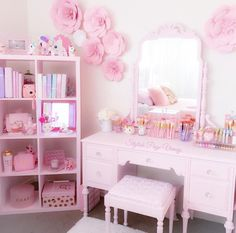 room inspiration 25 Best Hack Organization Ideas for Bedroom Teen Girl The bedroom is not only a sle Teen Girl Bedrooms, Teen Bedroom, Bedroom Decor, Bedroom Ideas, Girls Bedroom Pink, Pink Bedrooms, Pastel Room, Pink Room, Kawaii Bedroom