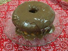 Bolo formigueiro lotado de brigadeiro gourmet de chocolate 50% do #DrBrigadeiro. #cake #chocolate #gourmet #50% #dessert