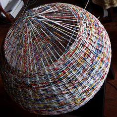 diy magazine basket weaving   Weave a paper basket lampshade