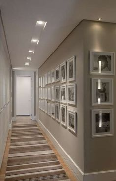 Wood Floor Texture Ideas & How to Flooring On a Budget Step by Step stunning use of materials Flur Design, Plafond Design, Deco Design, Design Case, Narrow Hallway Decorating, Wood Floor Texture, Hallway Designs, Hallway Ideas, Upstairs Hallway