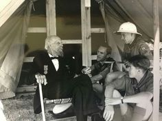 Civil War veteran with boys scouts at 1938 Gettysburg reunion.