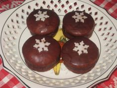Plnené medovníčky (fotorecept) - obrázok 10 Doughnut, Rum, Muffin, Breakfast, Desserts, Food, Basket, Morning Coffee, Tailgate Desserts