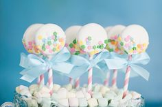 Vintage Baby Shower Ideas + WIN a Copy of Jenny Keller's 'Eat More Dessert' Book ! by Bird's Party(Chocolate Strawberries Baby Shower) Baby Shower Treats, Baby Shower Cookies, Baby Shower Parties, Baby Showers, Shower Baby, Bridal Showers, Comida Para Baby Shower, Dessert Book, Dessert Tables