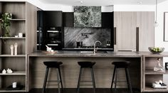An interior that truly reflects its surrounds, this apartment design by Elenberg Fraser uses a dramatic material palette to immerse without overpowering. Contemporary Interior Design, Interior Modern, Interior Design Kitchen, Modern Interior Design, Interior Architecture, Interior Decorating, Australian Architecture, Modern Apartment Design, Interior Livingroom
