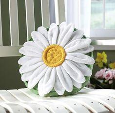 Daisy Flower Decorative Throw Pillow