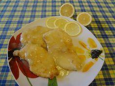 Ricetta petto di pollo al limone, ricetta facile, veloce ed economica. E' un secondo leggero e ideale dopo le abbuffate delle feste.