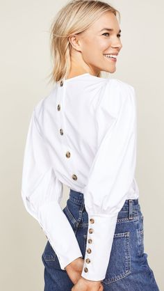 Veronica Beard Clarke Top, White summer top is perfect for any pair of jeans. China Fashion, I Love Fashion, Passion For Fashion, China Mode, Size 0 Models, Fashion Outfits, Womens Fashion, Fashion Trends, Fashion Blouses