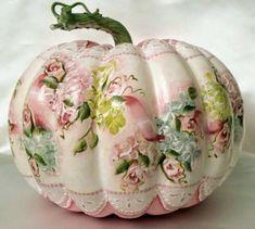 Fake pumpkin decorating idea, photo only. Shabby Chic Pumpkins, Shabby Chic Fall, Fake Pumpkins, Painted Pumpkins, Pink Halloween, Pumpkin Art, Autumn Crafts, Pumpkin Decorating, Fall Decorating