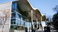 La nueva sede del Gobierno Porteño en Parque Patricios   Galería: http://bartes.com.ar/sede-del-gobierno-ciudad-de-buenos-aires/
