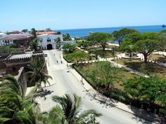 House of Wonders - Iconic fixtures of Stone Town's world-renowned seafront area, the House of Wonders and Palace Museum convey the cultural and architectural influences of Zanzibar, Britain, Portugal, and Oman over the centuries - http://www.destinationafrica.info/zanzibar-an-island-of-magic/