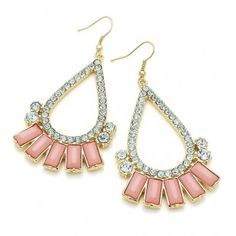 Boucles d'oreilles pendantes strass rose - #bijoux #tendance #mode #earring #jewelry #femme #fashion #milenamoda www.milena-moda.com
