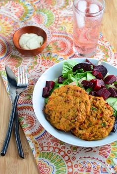 Slimming Eats Recipe - Tuna and Sweet Potato Patties - Gluten Free, Dairy Free, Paleo, Slimming World and Weight Watchers friendly Shellfish Recipes, Seafood Recipes, Diet Recipes, Cooking Recipes, Healthy Recipes, Recipies, Slimming World Dinners, Slimming Eats, Slimming World Recipes