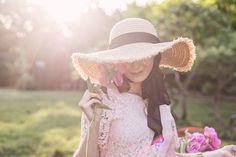 Dantelă și bujori – Andreea Balaban Her Style, Boho Style, Birth Flowers, Boho Fashion, Womens Fashion, Pretty Photos, A Perfect Day, Photography Poses, Peonies