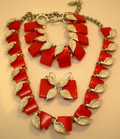 Vintage Thermoset Necklace Bracelet Earrings by BagsnBling on Etsy, $39.00