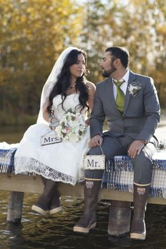 Alaskan wedding.  Fishing and xtratufs.  White and gray wedding.  Xtra Tuf wedding.  Wedding photography.  Photos @alaskaphoto Floral @Bagoys