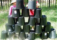 Don't throw away those plastic plant pots Let the Children Play They make very handy loose materials for play outdoors. Outdoor Play Spaces, Outdoor Areas, Outdoor Fun, Natural Playground, Outdoor Playground, Playground Ideas, Preschool Playground, Preschool Garden, Preschool At Home