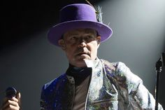 Gord Downie dies of cancer at age 53