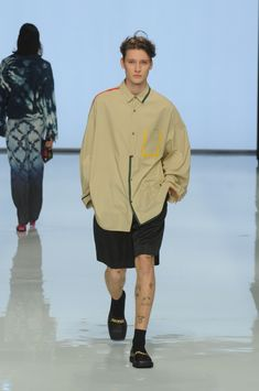 """Collection Report Rakuten Fashion Week TOKYO (RakutenFWT)"""" is the most famous fashion festival of Japan. Old Man Fashion, Fashion Show, Mens Fashion, Fashion Outfits, Fashion Details, Fashion Design, Mode Style, Men's Style, Mens Big And Tall"""