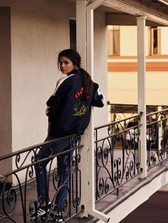 Selena Gomez HD iPhone Wallpapers