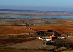 Laguna de Gallocanta desde el Castillo de Tornos, Teruel.