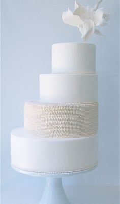white wedding cake with pearls 7