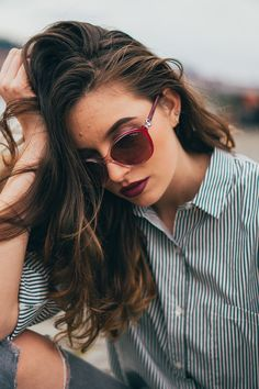 Vogue, Sunglasses, Fashion, Model, Moda, Fashion Styles, Eyewear, Fashion Illustrations, En Vogue
