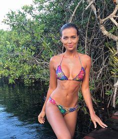 Find Out Here Beautiful Girls In Bikini ! Bikini Beach, Hot Bikini, Bikini Girls, Hot Girls, Girl In Water, Russian Beauty, Cute Bikinis, Female Poses, Bikini Bodies