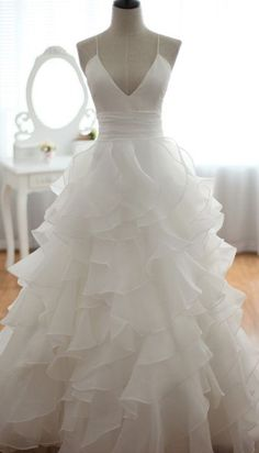 Beautiful white ruffle wedding dress like the skirt Sexy Wedding Dresses, Cheap Wedding Dress, Wedding Attire, Bridal Dresses, Wedding Gowns, Bridesmaid Dresses, Ruffled Dresses, Wedding Ceremony, Red Wedding