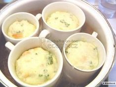 cz - On-line kuchařka - fotografie 1 Slovak Recipes, Czech Recipes, Vegan Recipes, Cooking Recipes, Ethnic Recipes, Pots, Desert Recipes, Main Meals, Bread Baking