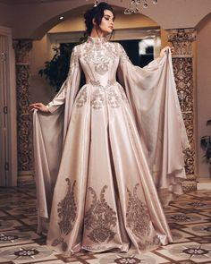 Please read … – – Hijab Fashion Evening Dresses, Prom Dresses, Formal Dresses, Muslim Wedding Dresses, Hijab Fashion, Fashion Dresses, Fantasy Gowns, Medieval Dress, Mode Outfits