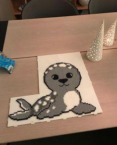 Et stk tidsfordriv Pearler Bead Patterns, Perler Patterns, Pearler Beads, Fuse Beads, Hama Beads Animals, Beaded Animals, Pixel Art, Christmas Perler Beads, Pearl Crafts
