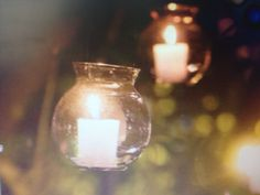 Hanging votives, a perfect solution to light up your trees.