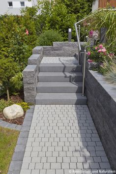 Catania brick for edging the higher terrace, block steps and . - Catania brick for edging the higher terrace, block steps and ciotto pavement for the way there. Beton Design, Concrete Design, Garden Steps, Garden Edging, Catania, Staircase Outdoor, Outside Steps, External Staircase, Terraced Landscaping