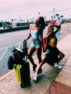 VSCO - lucawhitaker going on vacation with you best friends Cute Friend Pictures, Cute Photos, Friend Pics, Bff Pics, Cute Friends, Best Friends, Best Friend Fotos, Shotting Photo, Summer Goals