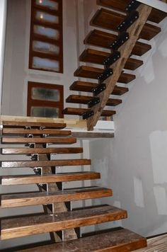 Building Our Modern Home in Atlanta: Custom Stairs – Materials and Construction 26 Great Interior Ideas You Will Definitely Want To Save – Building Our Modern Home in Atlanta: Custom Stairs – Materials and Construction Source Open Stairs, Loft Stairs, Floating Stairs, House Stairs, Railing Design, Staircase Design, Stair Design, Staircase Ideas, Rustic Staircase