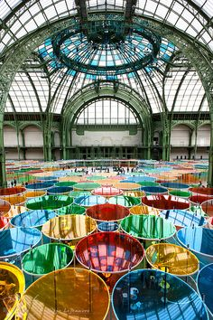 Monumenta - Paris. Trying to figure out the material - acetate? rosco gel sheet? printed plexi? What ever it is i imagine that walking under the stained glass effect is magical. Such a lovely use of natural light conditions.