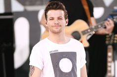 One Direction's Louis Tomlinson Publicly Acknowledges That He's Going | Vanity Fair