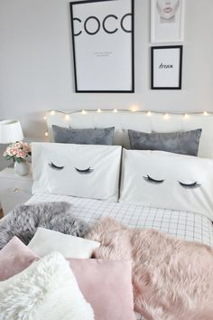 Soft skins, a cozy bed and a cozy room . Soft skins, a cozy bed and a cozy room . Cozy Bedroom, Modern Bedroom, Bedroom Decor, Bedroom Ideas, Bedroom Designs, Stylish Bedroom, Bed Designs, Master Bedroom, Cool Teen Bedrooms