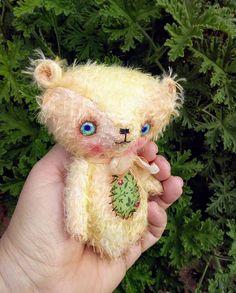 Benji the Mohair teddy bear by Woollybuttbears