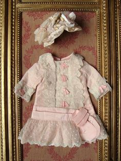 Wonderful antique dress and hat for french or german bebe.