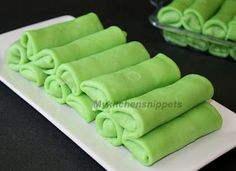 My Kitchen Snippets: Kuih Ketayap/Crepes with Coconut Filling