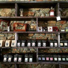 #empirestrikesback #nicaragua #ladoctor #elganador #laesperanza #laamistad #panama #lycello #ethiopia #nekisse #burundi #nkonge #tea #yogipower #schokobuss #rosemary #chamomile #lemon #honey #berryblend #earlgrey #theunderdog