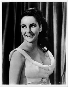 ELIZABETH TAYLOR -1963- Original Glossy Portrait Photo - from VIPs - GORGEOUS #1