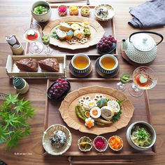 [New] The 10 Best Food (with Pictures) - Lunch to Gorki Park. Japanese Food Sushi, Japanese Dinner, Japanese Kitchen, Food Design, Fruit Recipes, Asian Recipes, Food Porn, Recipes From Heaven, Food Presentation