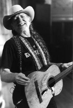 Willie Nelson - Humphreys San Diego, April 26, 2017, just four days before his 84th bday