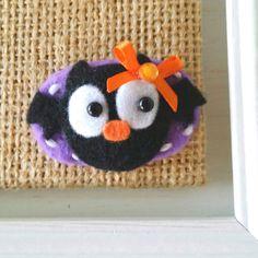 Hey, I found this really awesome Etsy listing at https://www.etsy.com/listing/228513058/halloween-bat-felt-hair-clip-little-bat