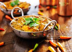 Curry is one of those dishes that one either loves or loathes. The mere mention of the word curry either makes one person's mouth water and whips up an Healthy Curry Recipe, Curry Recipes, Healthy Recipes, Vegan Curry, Indian Chicken, Chicken Tikka Masala, Chicken Karahi, Chicken Curry, Ayurveda