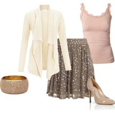 Soft, feminine outfit. Perfect for a Spring date night!